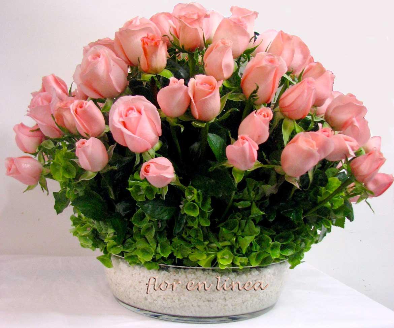 Combinaci  N De Rosas Con Piedra De M  Rmol Y Un Toque De Follaje Dan